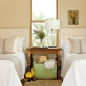 guest-bedroom-southern living