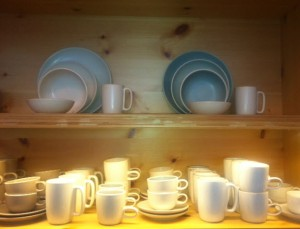 heath ceramics display