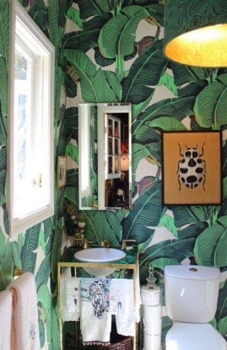 Martinique Banana Leaf bathroom